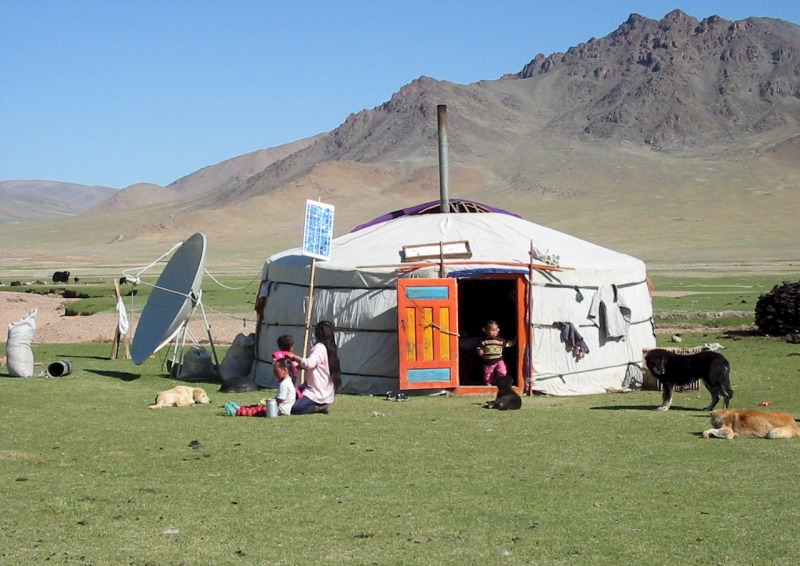 mongolian architecture The architecture of mongolia is largely based on traditional dwellings, such as the yurt and the tent during the 16th and 17th centuries, lamaseries were built.